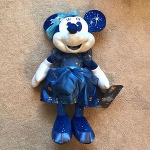 Disney Minnie Main Attraction Peter Pan Plush